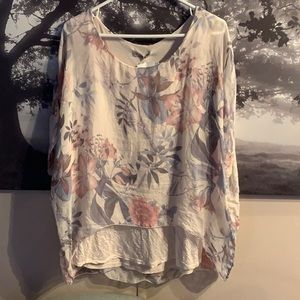 Floral blouse with sequins